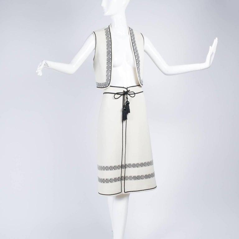 Vintage Skirt & Vest Suit in Ivory Wool Crepe W/ Black Trim & Tassel Belt France For Sale 2