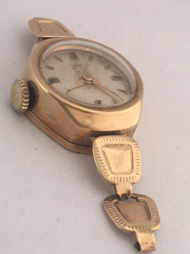 Vintage Small 1960s 9 Karat Gold Mechanical Ladies Watch For Sale 8