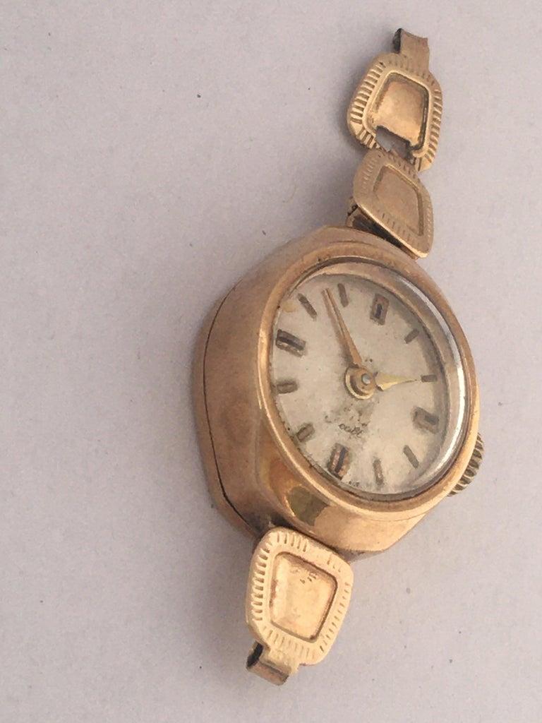 Women's Vintage Small 1960s 9 Karat Gold Mechanical Ladies Watch For Sale