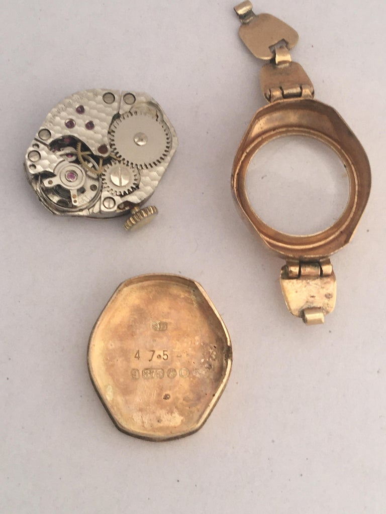 Vintage Small 1960s 9 Karat Gold Mechanical Ladies Watch For Sale 3