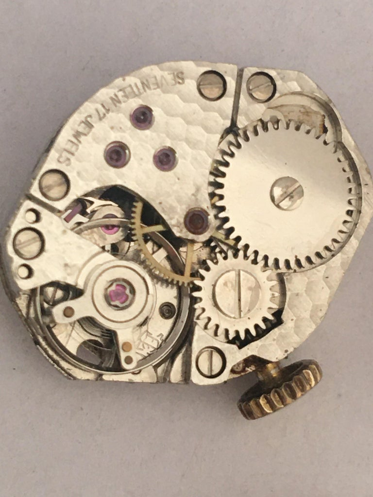 Vintage Small 1960s 9 Karat Gold Mechanical Ladies Watch For Sale 5
