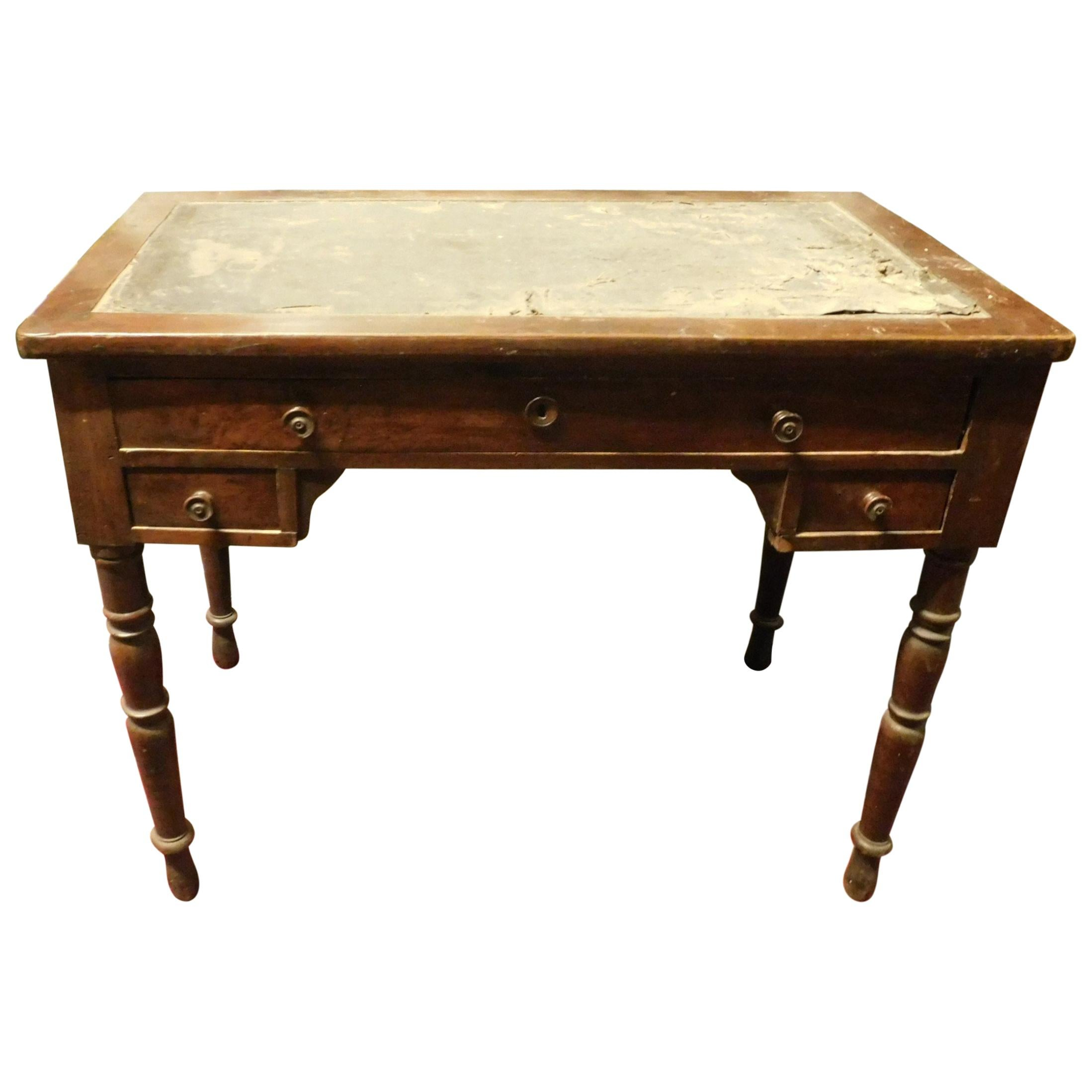 Vintage Small Desk in Walnut, Green Leather, 19th Century, Italy