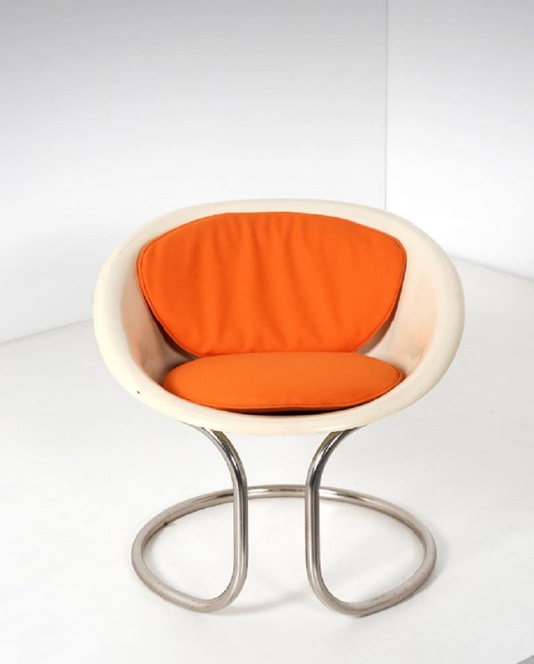 Vintage Small Fiberglass Armchair, Italy, 1970s In Good Condition For Sale In Roma, IT