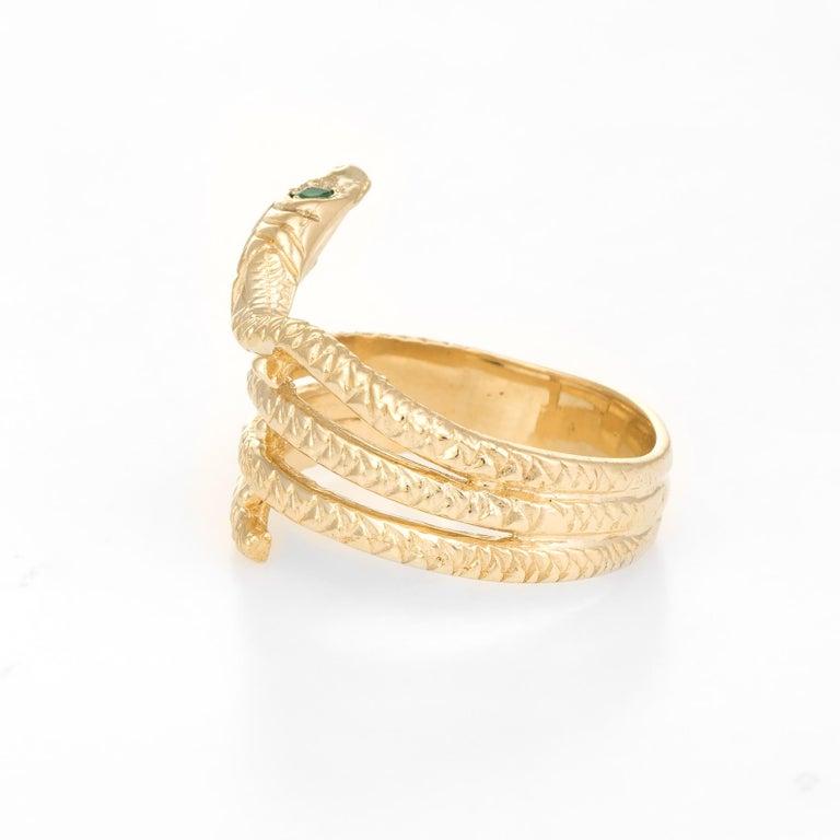 Round Cut Vintage Snake Ring 14 Karat Yellow Gold Emerald Eyes Alternative Wedding Band For Sale