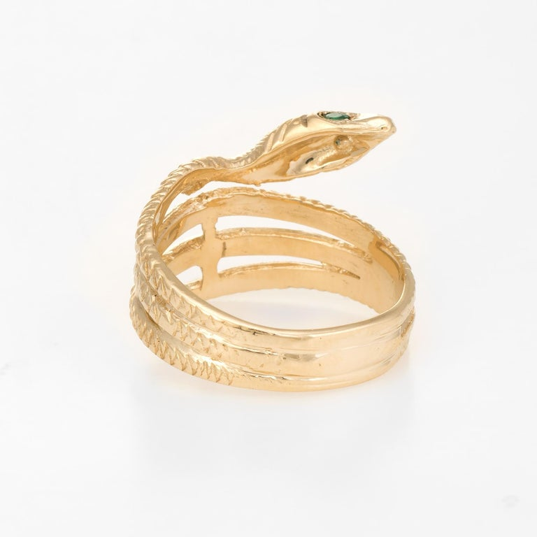 Vintage Snake Ring 14 Karat Yellow Gold Emerald Eyes Alternative Wedding Band In Excellent Condition For Sale In Torrance, CA