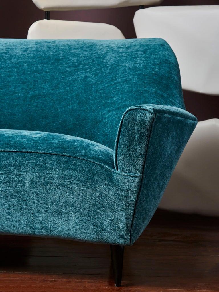 Vintage Sofa by Ico Parisi In Excellent Condition For Sale In Saint-Ouen (PARIS), FR