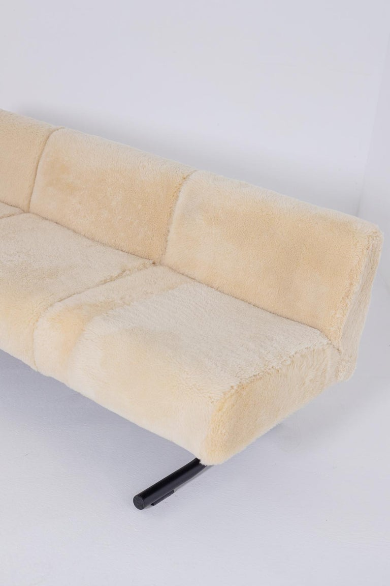 Mid-Century Modern Vintage Sofa by Osvaldo Borsani for Tecno, Original Label, 1960s For Sale