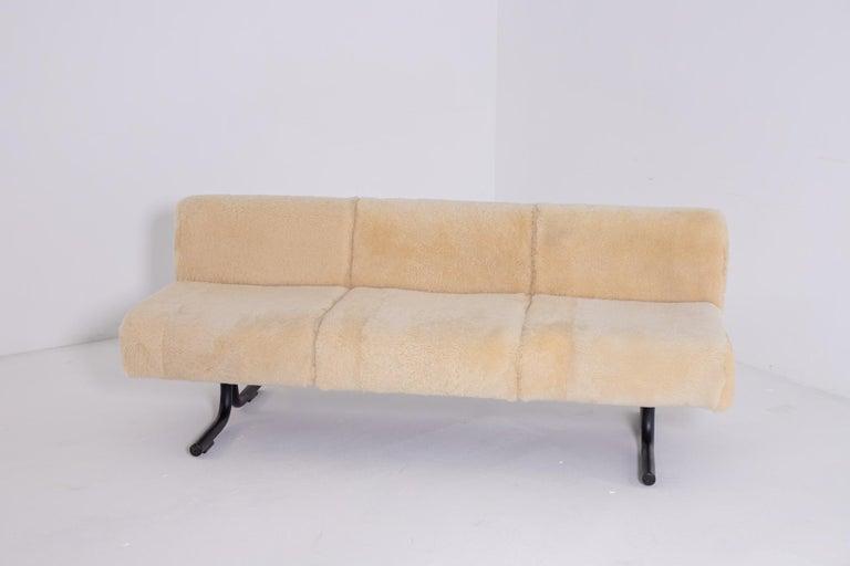 Vintage Sofa by Osvaldo Borsani for Tecno, Original Label, 1960s For Sale 1