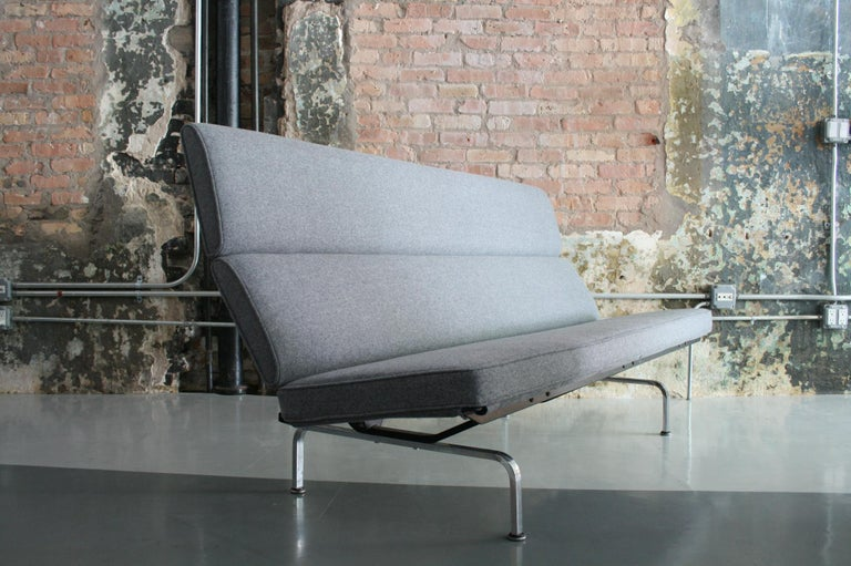 Mid-Century Modern Vintage Sofa Compact by Eames for Herman Miller, 1970s For Sale