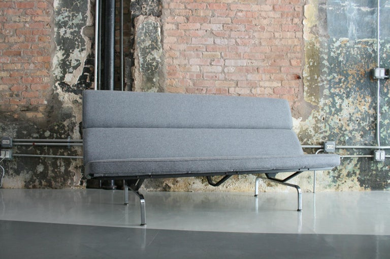 Vintage Sofa Compact by Eames for Herman Miller, 1970s For Sale 1