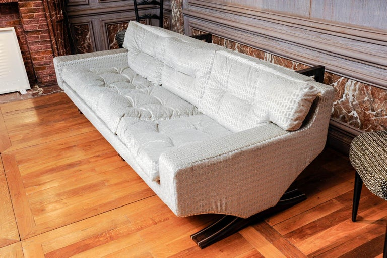 Vintage Sofa In Excellent Condition For Sale In Saint-Ouen (PARIS), FR