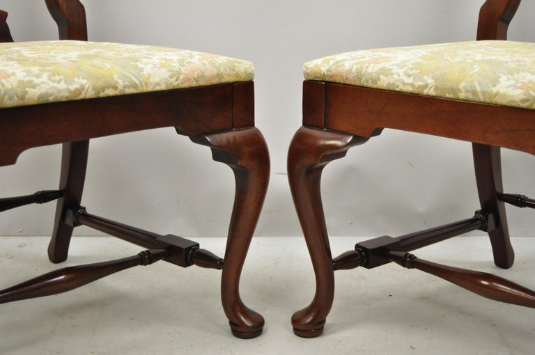 20th Century Vintage Solid Cherrywood Queen Anne Style Stretcher Base Dining Side Chairs For Sale