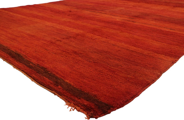 20894, vintage solid red Beni Mrirt carpet, Berber Moroccan rug with Postmodern style. Featuring a luminous fiery glow, rich waves of abrash, and luxury underfoot, this hand knotted wool vintage Moroccan red Beni Mrirt rug draws inspiration from