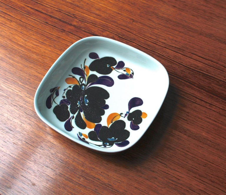 Mid-Century Modern square Faience plate by Ivan Weiss for Royal Copenhagen In Good Condition For Sale In Berlin, DE