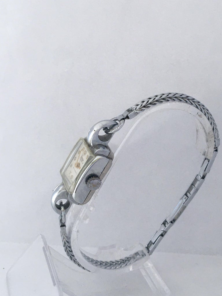 Vintage Stainless Steel Back Ladies Mechanical Watch In Good Condition For Sale In Carlisle, GB