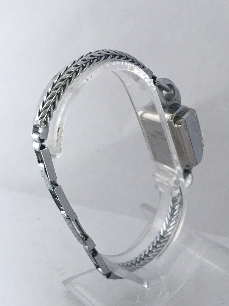 Vintage Stainless Steel Back Ladies Mechanical Watch For Sale 1