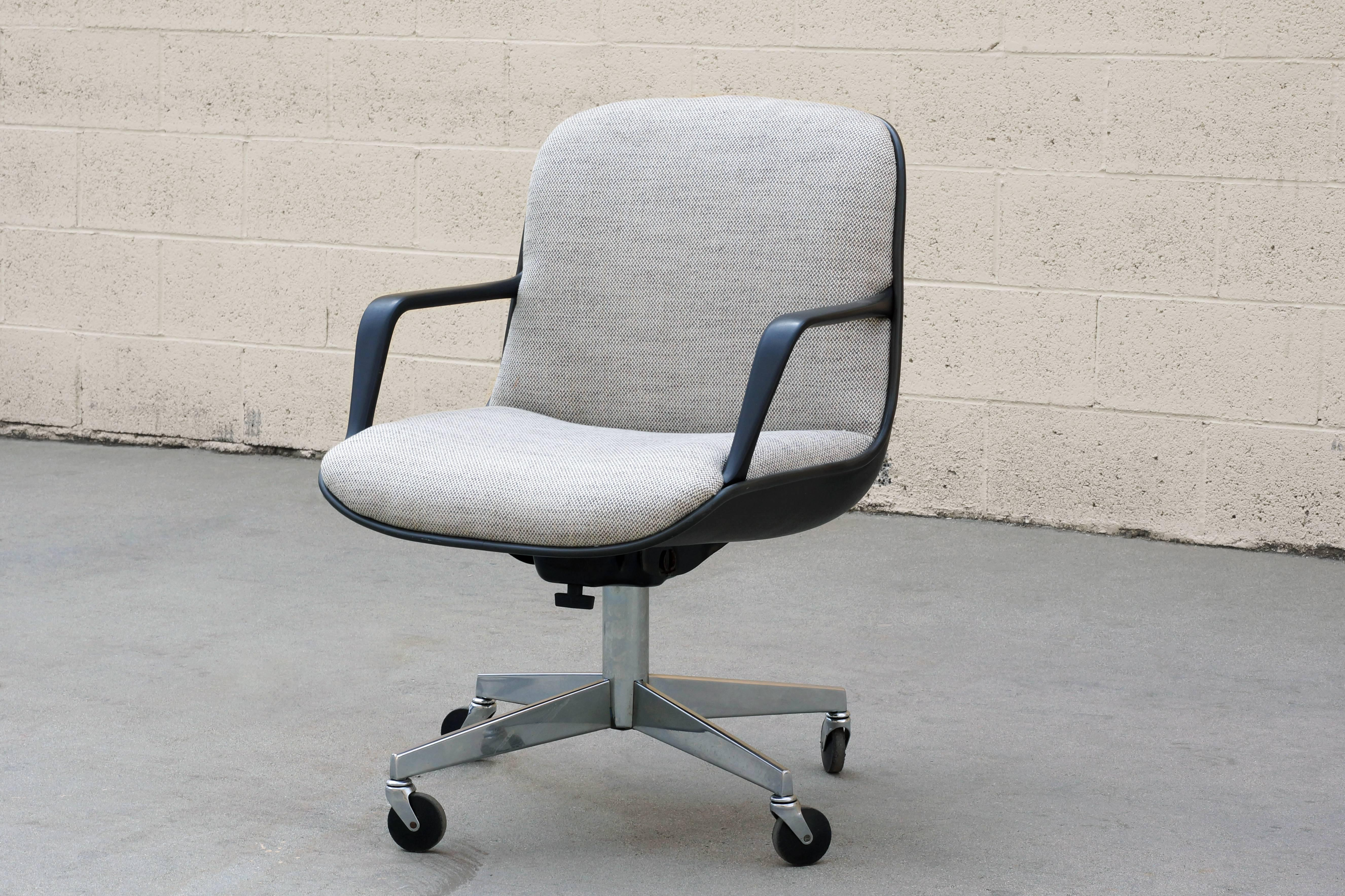 Office chair vintage Harter Vintage 1984 Steelcase Office Chair Model 451 This Midcentury Inspired Chair Features An Iconic 1stdibs Vintage Steelcase 451 Office Chair Refinished At 1stdibs