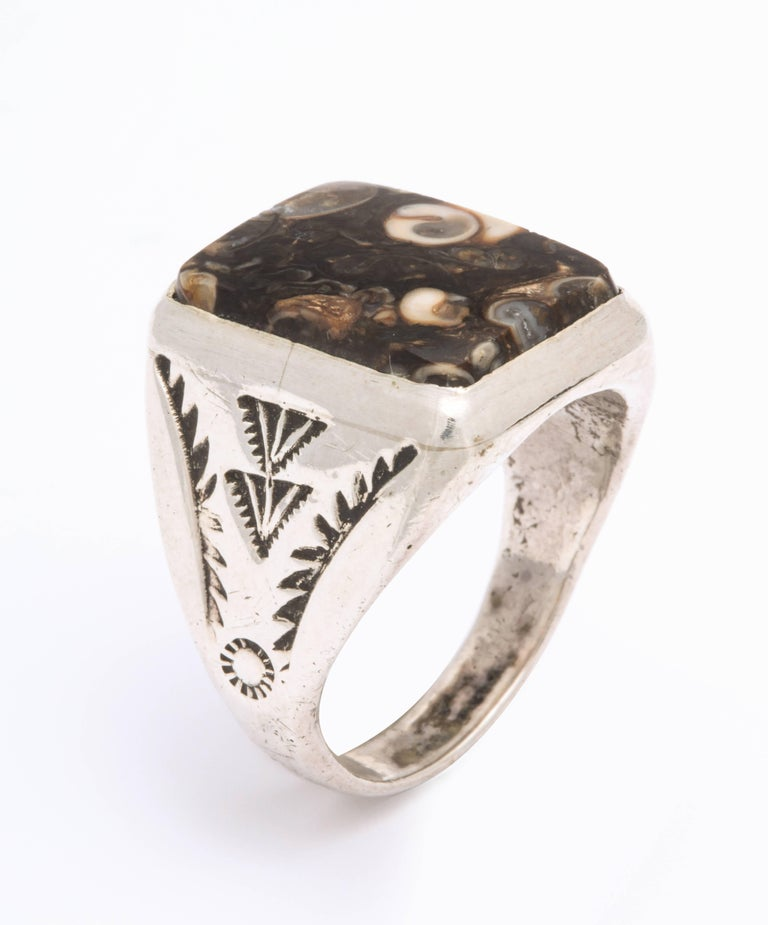 Vintage Sterling Navajo Fossil Ring In Excellent Condition For Sale In Stamford, CT