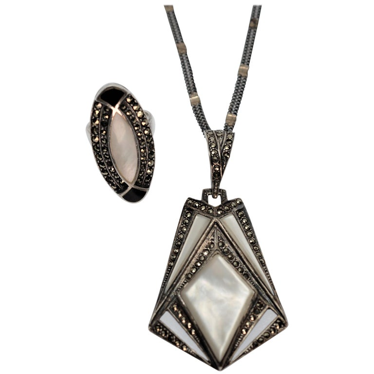 Vintage Sterling Silver Mother Of Pearl And Onyx Triangle Necklace