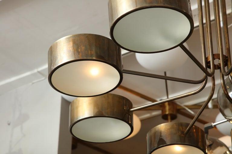 Vintage Stilnovo 8-Light Brass Chandelier In Good Condition For Sale In New York, NY
