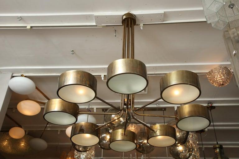 Vintage Stilnovo 8-Light Brass Chandelier For Sale 1