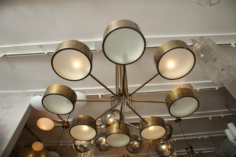 Vintage Stilnovo 8-Light Brass Chandelier For Sale 2