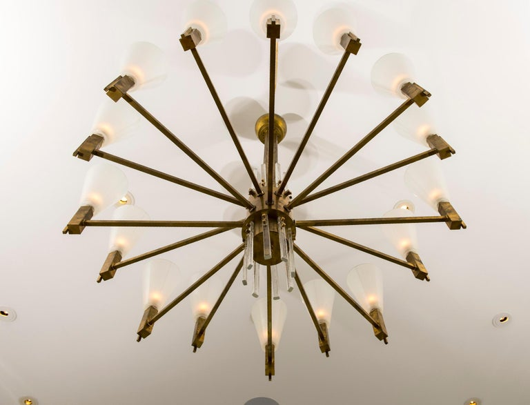 Vintage Stilnovo Style Italian Brass and Glass Chandelier In Good Condition For Sale In Houston, TX
