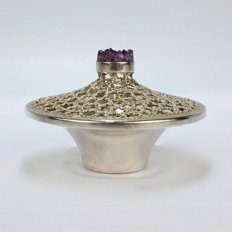 Vintage Stuart Devlin Sterling Silver and Amethyst Reticulated Covered Posy Bowl In Good Condition For Sale In Philadelphia, PA