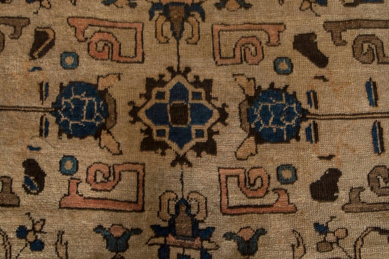 Vintage Sultanabad beige and blue wool rug. Size: 12'4