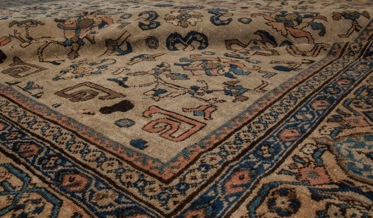 Vintage Sultanabad Beige and Blue Wool Rug In Good Condition For Sale In New York, NY