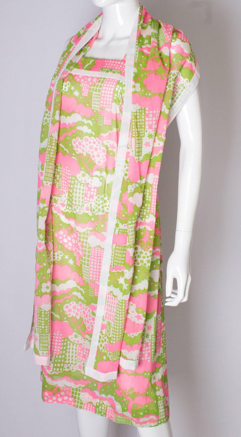 A Vintage 1960s abstract printed Sundress and Matching Scarf In Good Condition For Sale In London, GB