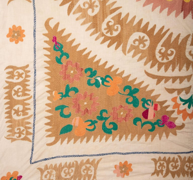 Vintage Suzani from Samarkand Uzbekistan, 1970s In Good Condition For Sale In Istanbul, TR
