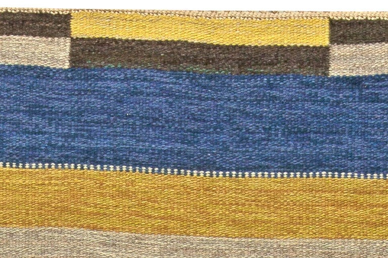 Vintage Swedish Flat-Weave Rug In Good Condition For Sale In New York, NY