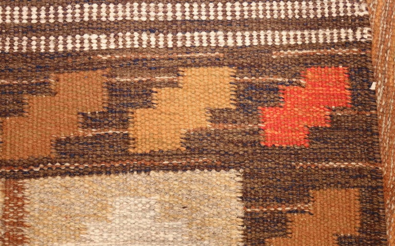 Vintage Swedish Kilim by Ana Joanna Angstrom. Size: 4 ft 8 in x 6 ft 7 in  In Excellent Condition For Sale In New York, NY