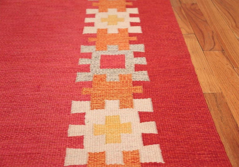 Hand-Woven Vintage Swedish Kilim by Ingegerd Silow. Size: 6 ft 4 in x 9 ft For Sale