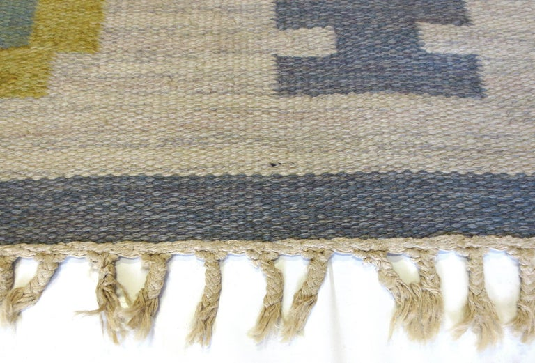 Hand-Woven Vintage Swedish Kilim Rug, circa Mid-20th Century For Sale
