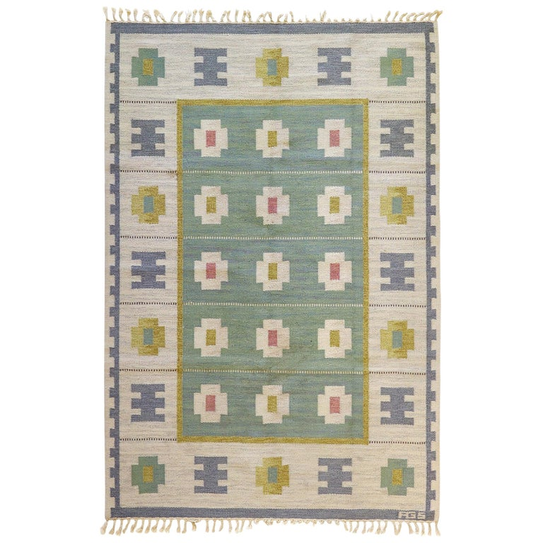Vintage Swedish Kilim Rug, circa Mid-20th Century For Sale