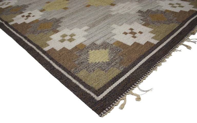 Hand-Woven Vintage Swedish Kilim Rug with Scandinavian Modern Style For Sale