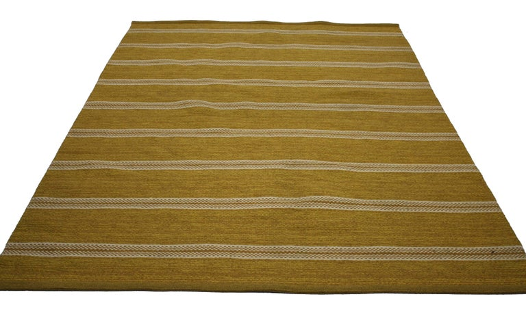 Hand-Woven Vintage Swedish Kilim Rug with Scandinavian Modern Style, Rollakan Rug For Sale