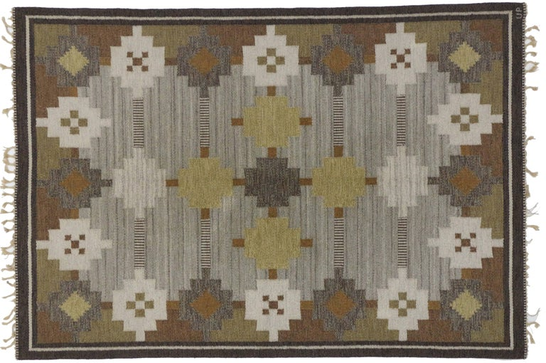 Vintage Swedish Kilim Rug with Scandinavian Modern Style In Good Condition For Sale In Dallas, TX