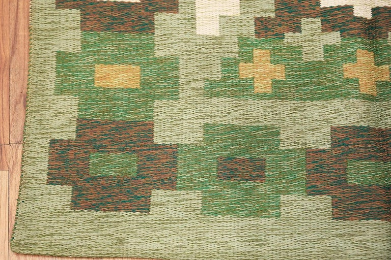 Vintage Swedish Kilim. Size: 4 ft 4 in x 6 ft 6 in For Sale 1