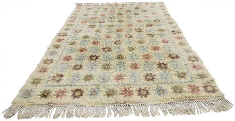77045, vintage Swedish Rya rug with Scandinavian Modern style, Ingrid Hellman-Knafve. This vintage Swedish Rya rug runner is simple and stunning, truly embodies Scandinavian Modern style. The colors are muted in this Scandinavian Rya rug, but rich