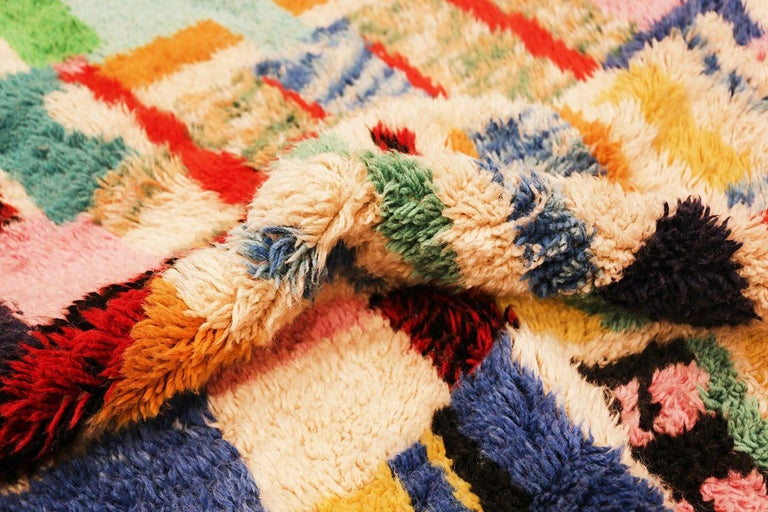 Colorful and funky vintage Swedish Rya Shag rug, Country of origin: Sweden, date circa mid-20th century. Size: 5 ft x 6 ft 4 in (1.52 m x 1.93 m)  This colorful Swedish rya shag rug will take you back the early part of the second half of the