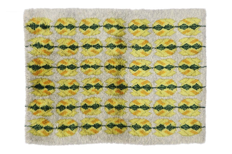 Vintage Swedish Rya Shag Rug with Scandinavian Modern Style with Pop of Color For Sale 4