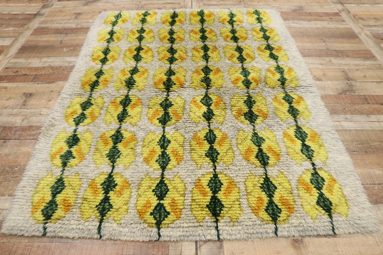 Vintage Swedish Rya Shag Rug with Scandinavian Modern Style with Pop of Color For Sale 2