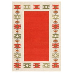 Vintage Swedish-Scandinavian Rug. Size: 4 ft 6 in x 6 ft 4 in (1.37 m x 1.93 m)