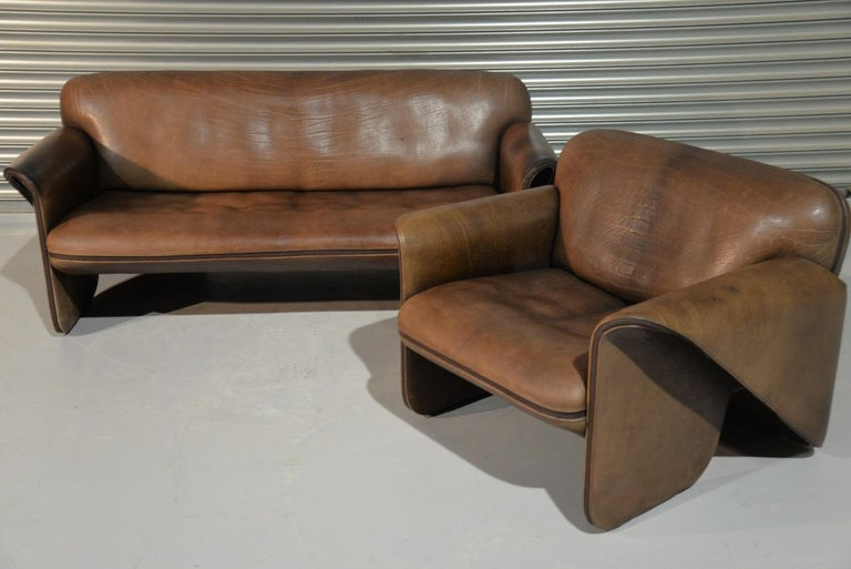Discounted airfreight for our International Customers (from 2 weeks door to door)   We are delighted to bring to you an ultra rare vintage De Sede DS 125 sofa and armchair designed by Gerd Lange in 1978. These sculptural pieces are upholstered in