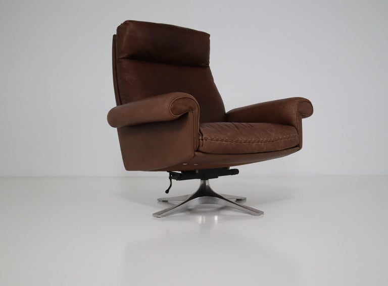 Vintage Swiss De Sede DS 35 Executive Swivel Armchair, 1960s in Brown Leather In Good Condition For Sale In Almelo, NL