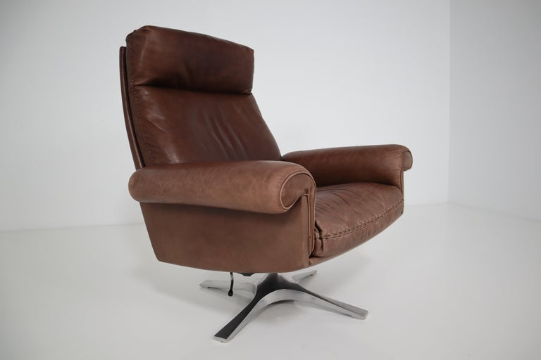 Vintage Swiss De Sede DS 35 Executive Swivel Armchair, 1960s in Brown Leather For Sale 3