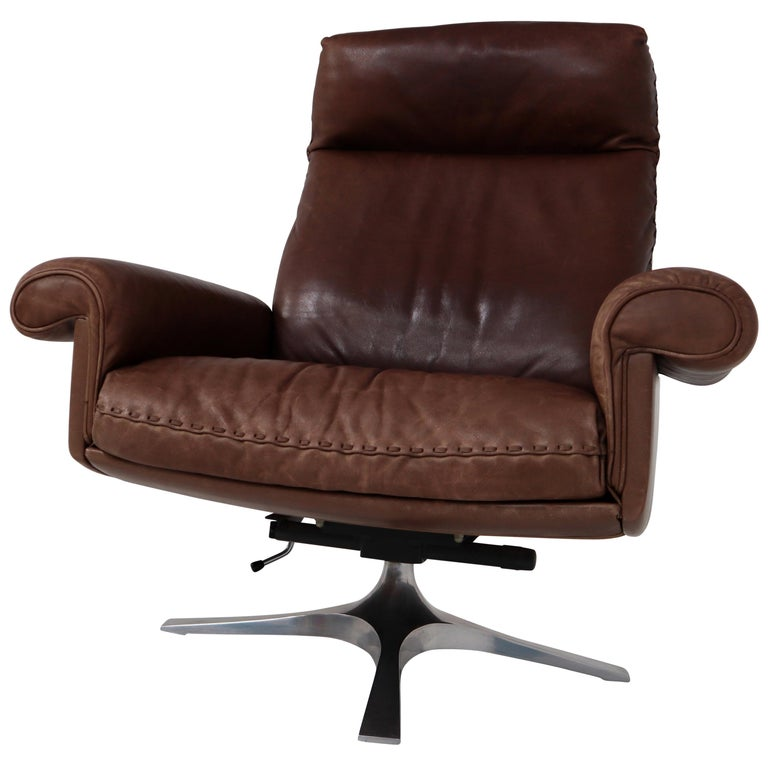 Vintage Swiss De Sede DS 35 Executive Swivel Armchair, 1960s in Brown Leather For Sale